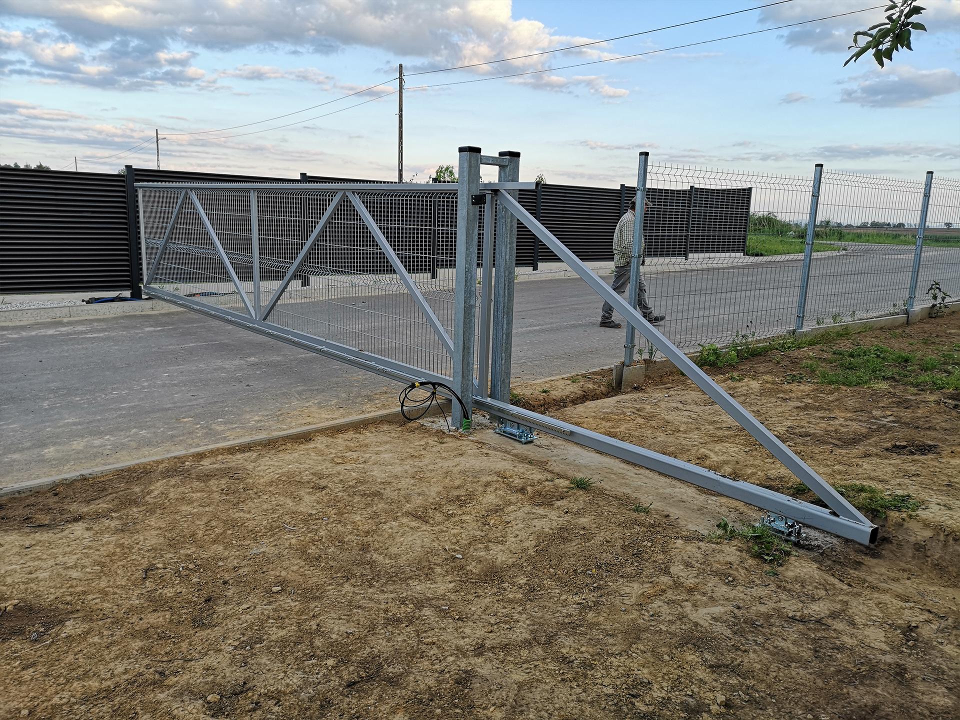 brama przesuwana przykrecany panel